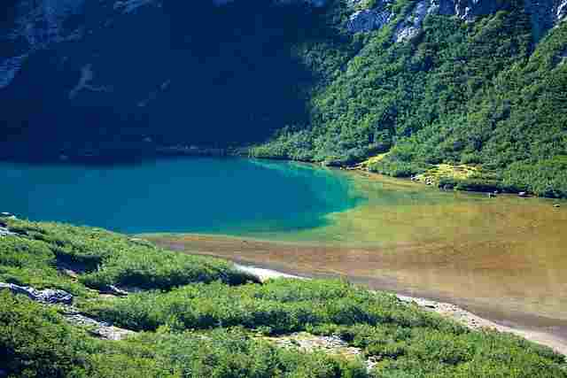 Bariloche-Colorful-Lake