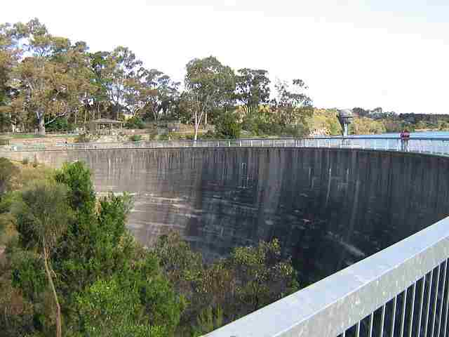 Barossa-Valley-Dam's-Whispering-Wall