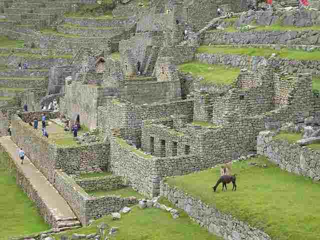 Closer-View-of-Machu-Picchu
