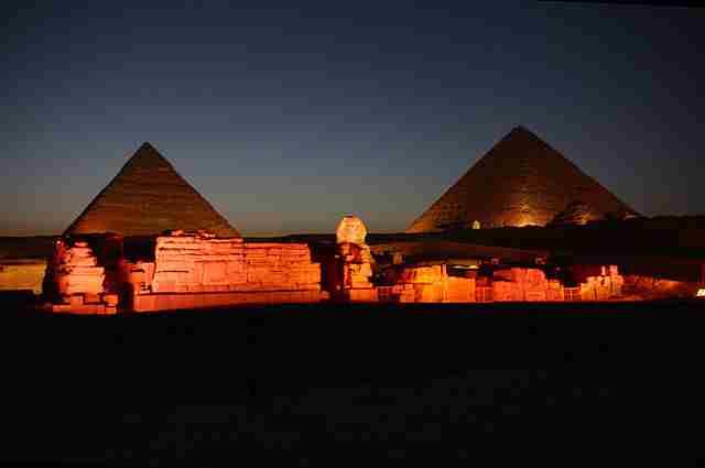 Great-Pyramid-of-Giza-At