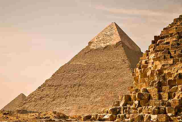 Great-Pyramid-of-Giza-Khufu's-Pyramid