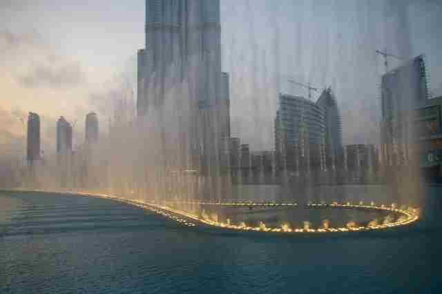 The-Dubai-Fountains-at-Night