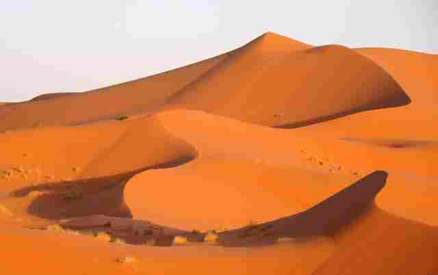 Erg-Chebbi-Morocco-Sand-Dunes--compressed