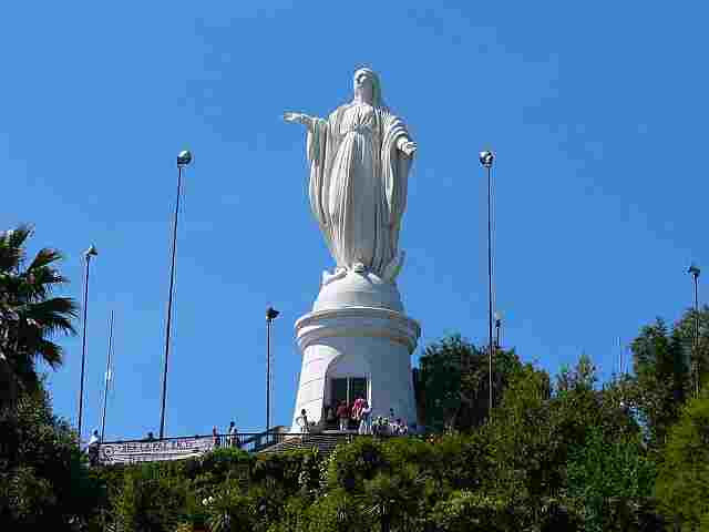 Statue-of-the-Virgin-Mary