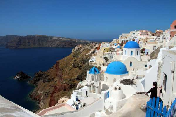 the beautiy of Ola is one of the key reasons to visit Santorini