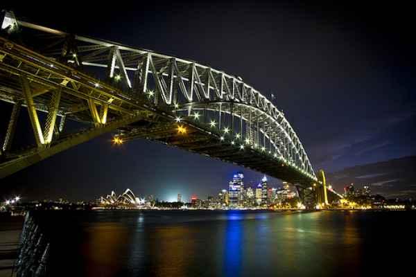 Sydney-Opera-House-and-Sydney-Harbor-Bridge