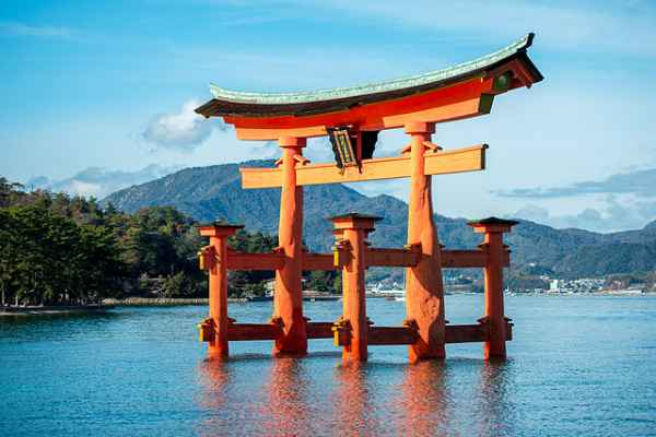 Miyajima-Floating-Torii