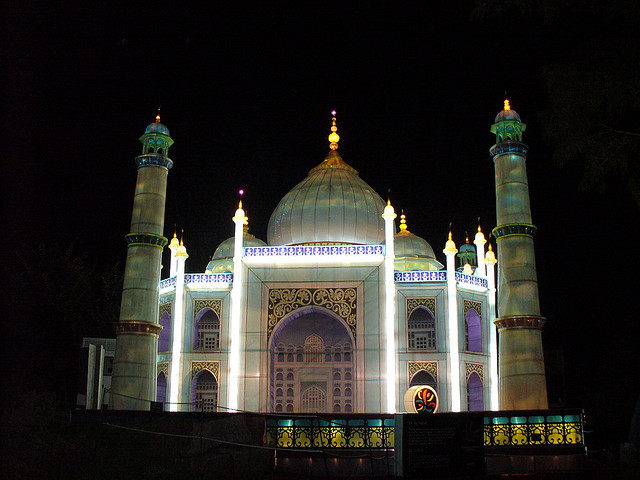 Taj-Mahal-at-Night
