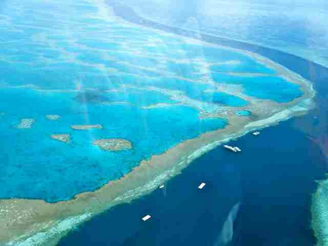 Amazingly-Beautiful-Great-Barrier-Reef