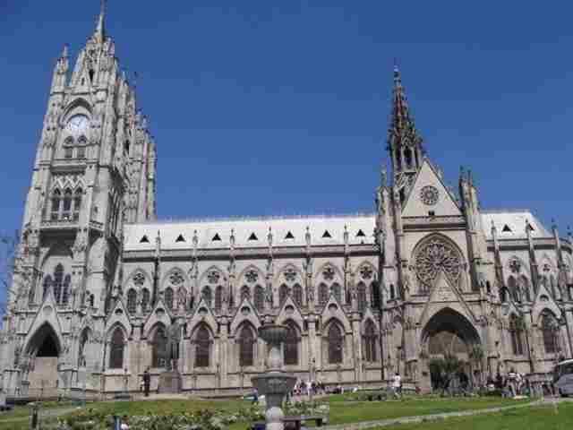 Basílica-del-Voto-Nacional