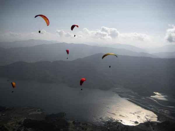 Paraglide-over-Pokhara-1