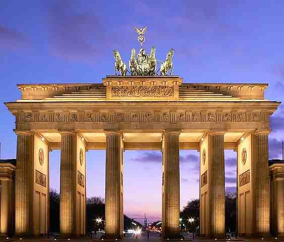 Brandenburg Gate, tourist attractions in Berlin